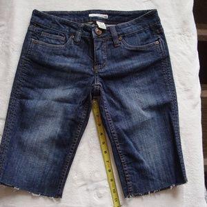 Refuge size 5 Bermuda shorts